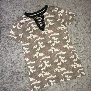 Tops - Camouflage t-shirt